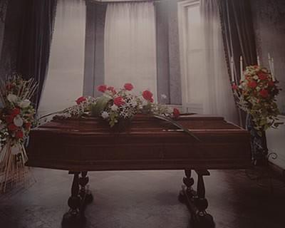 casse da morto in legno preggiato